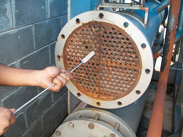 Limpeza química de trocador de calor